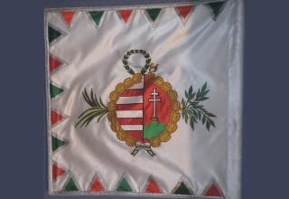 Hímzett zászlók